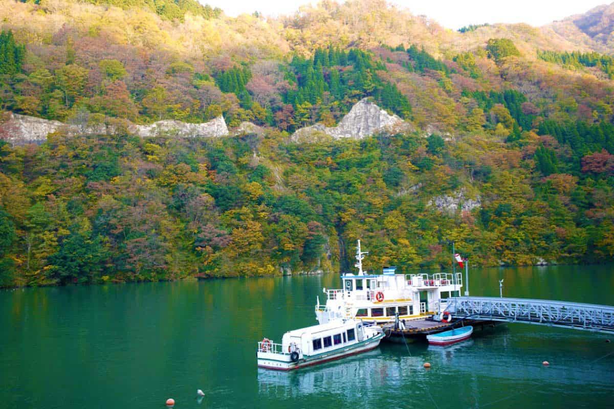 庄川峡遊覧船