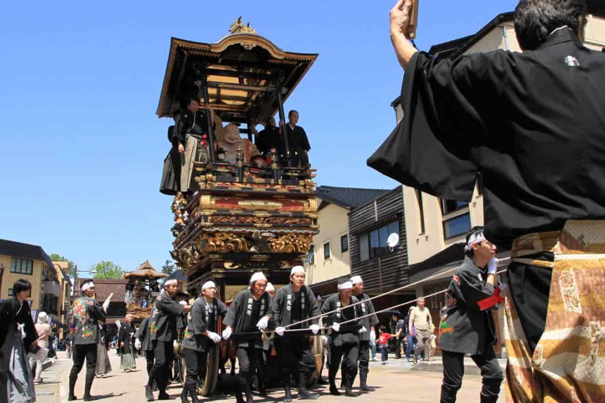 城端曳山祭の曳山