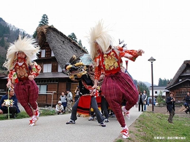 sisimai-ainokura-thumb-350xauto-127写真提供:南砺市観光協会_600