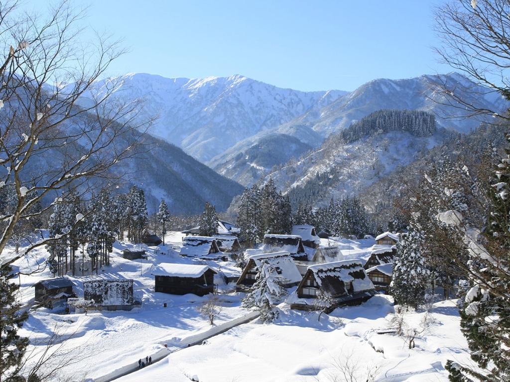 雪の季節の五箇山